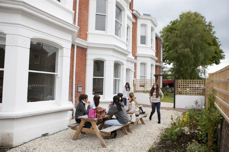 Worthing United Kingdom  city photo : CES Worthing English language school in Worthing | LanguageBookings